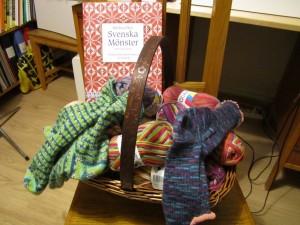 bok, garn och sockor